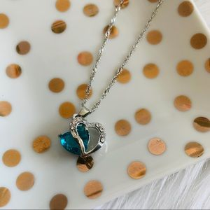 NEW Blue heart pendant necklace